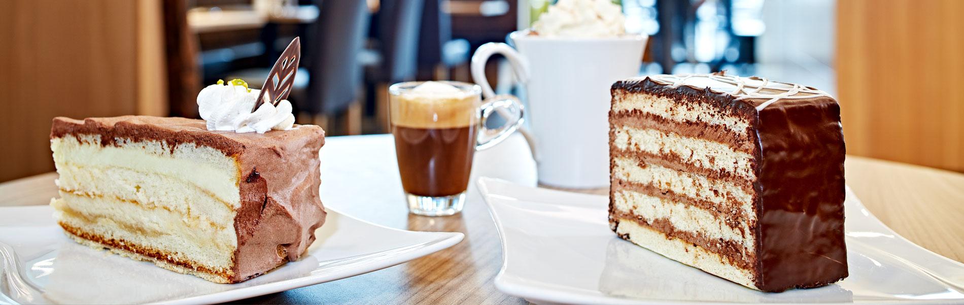 Torten, Kuchen und Mehlspeißen