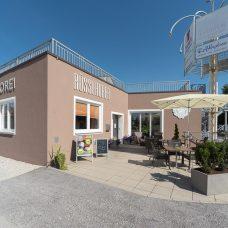 Außenansicht der Bäckerei Filiale in Obertrum